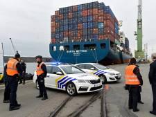 La police suit un conteneur de cocaïne et procède à quatre arrestations