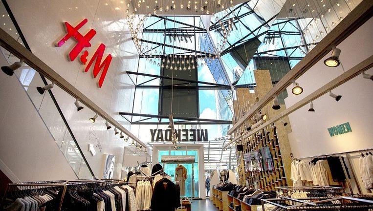 Interieur van de H&M in de Rotterdamse Koopgoot. Beeld anp