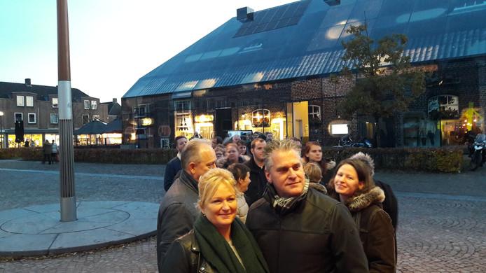 Henk en Corine Schep staan vooraan in de rij voor de eerste tickets van Paaspop 2020 in Schijndel.