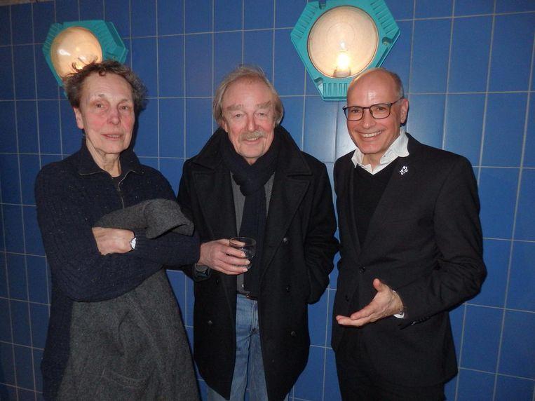 Ruth Thiadens en haar partner bioloog Midas Dekkers, en Emile Jaensch ('Ga dat maar lekker googelen.') Beeld Schuim