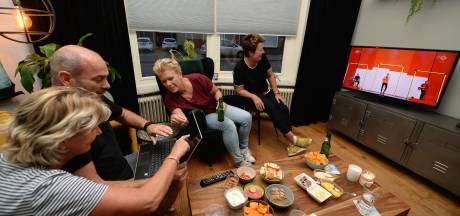 Superfans uit Goor al tijdens finale Songfestival op hotelkamerjacht