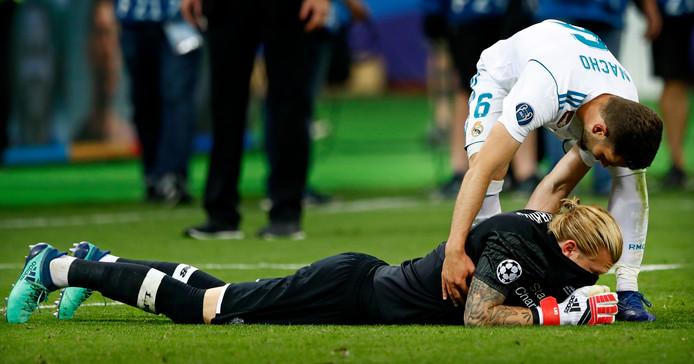 Nacho bekommert zich om keeper Karius die twee grote blunders maakte in de finale.