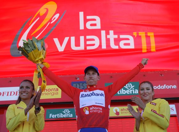 Bauke Mollema in het rood op La Covatilla.