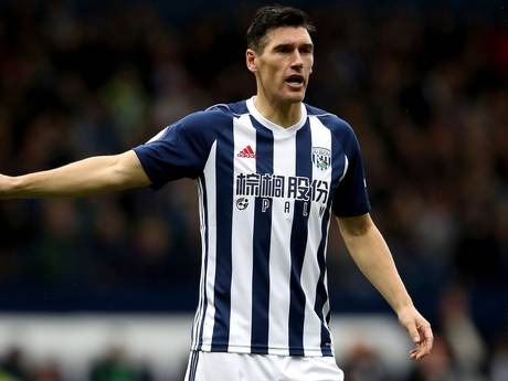 Barry (36) nieuwe recordhouder in Premier League: 'Wil zo lang mogelijk doorgaan'
