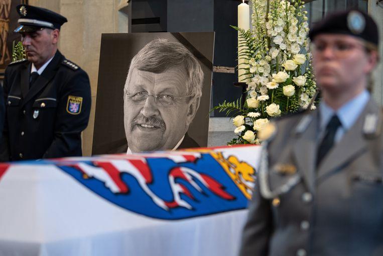 Walter Lübcke van de christendemocratische CDU, de partij van bondskanselier Merkel, werd vorige week begraven.