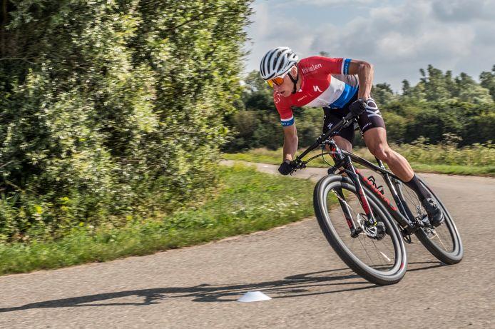 Mountainbiker Jeroen van Eck, op archiefbeeld.