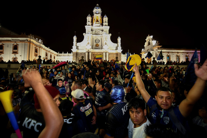 Feest op het Grote Plein in Sangolqui, Ecuador.
