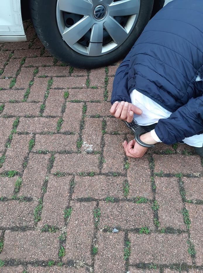 De politie in Zutphen heeft na een wilde achtervolging in de binnenstad een inbreker aangehouden.
