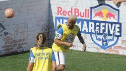 """Nu transfer steeds onmogelijker lijkt, slaat Neymar mea culpa: """"Ik ben geen superheld of perfect rolmodel"""""""