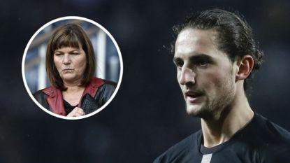 """Moeder van PSG-middenvelder springt in de bres voor haar zoon: """"Straks zetten ze hem op brood en water"""""""