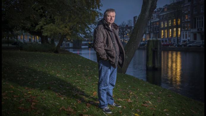 Eric Slot op de plek in Amsterdam waar het lichaam van Norbert werd gevonden.