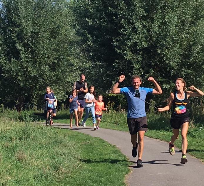 Marek Vis gaat na 212 kilometer over de denkbeeldige finish