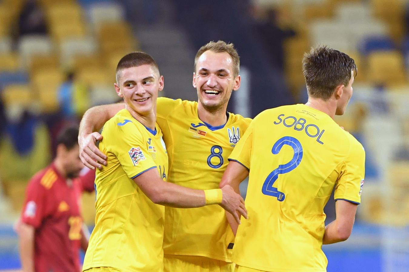 Oekraïne wint verrassend met 1-0 van Spanje.