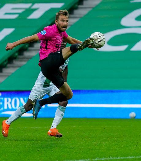 FC Utrecht verlengt contract Van de Streek: 'Gelouterde prof en een zeer gewaardeerde kracht'