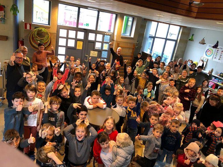 De Krekel klinkt op het nieuwe jaar met de leerlingen.