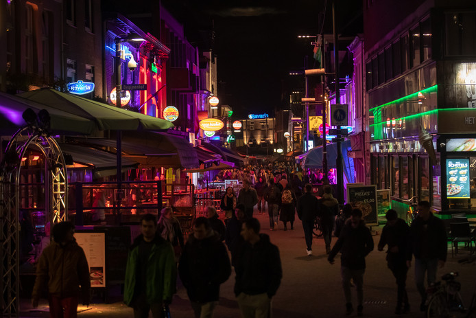 Het is regelmatig raak op het Eindhovense Stratumseind. Een ruzie in juni van dit jaar had volgens het Openbaar Ministerie fataal kunnen aflopen.