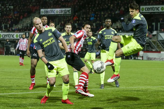 Sparta kwam zaterdag op voorsprong tegen koploper PSV, maar verloor uiteindelijk wel met 1-2.