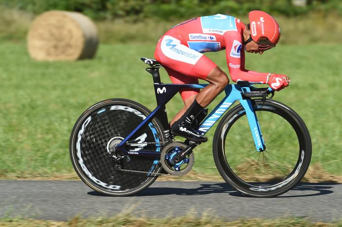 Nairo Quintana in het rood, letterlijk en figuurlijk.