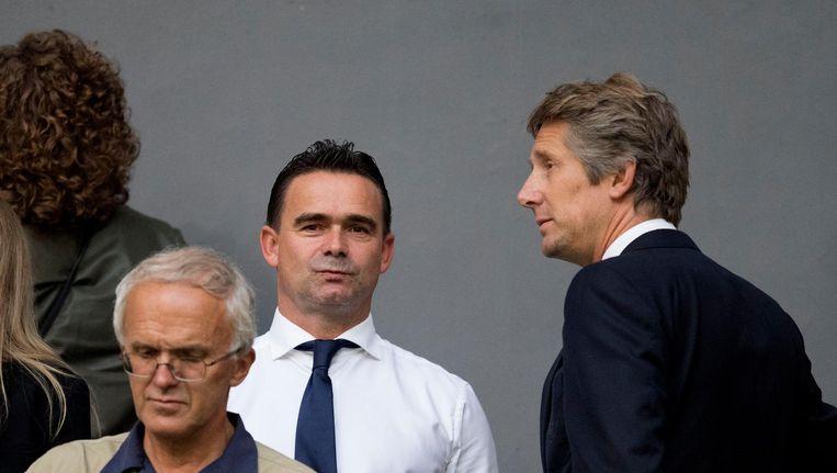 Ajax-directieleden Marc Overmars en Edwin van der Sar op de tribune in augustus 2017. Beeld anp