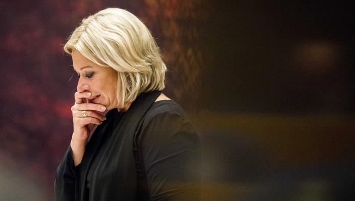 Oud-minister Jeanine Hennis van Defensie tijdens het debat over het fatale ongeluk met Nederlandse militairen in Mali.
