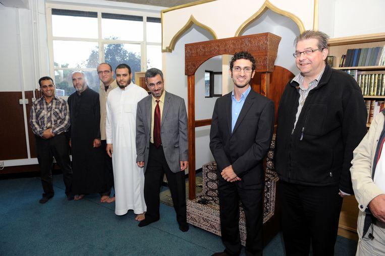 Deken Dirk De Gendt en Mohamed Ridouani in de Al Ihsaan-moskee in Leuven