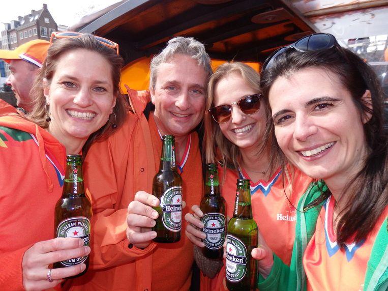 De Heineken posse: Jacqueline van Faassen, Pascal Gilet (algemeen directeur), Lisa van der Heijden en Ana Henriques. Show that product! Beeld Schuim