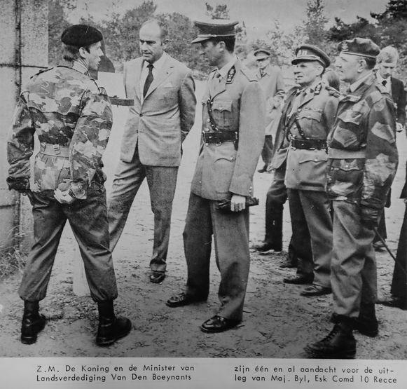 13 september 1972. Gastheer van koning Boudewijn en defensieminister Paul Vanden Boeynants. Valentin vertelde honderduit, zoals hij was gebekt.