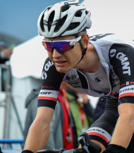 Kelderman passeert Contador op slotdag