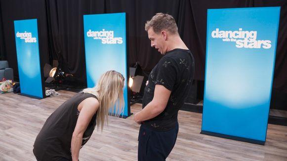 James en zijn danspartner in 'Dancing with the Stars'.
