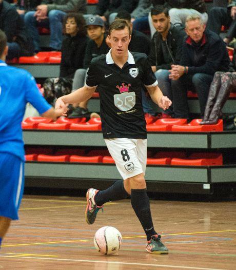 Oud-zaalvoetballer WSV Apeldoorn Dick Hulshorst is weer terecht