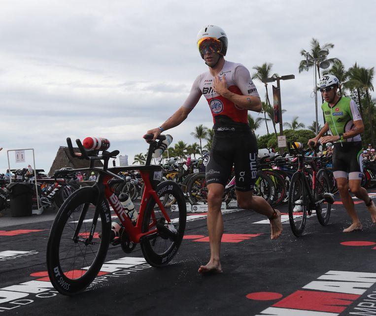 Bart Aernouts beginnend aan het fietsnummer.