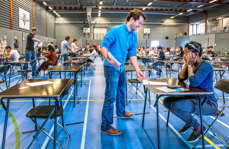 Ruben van der Wel deed een OnderwijsTraineeship en werkt nu als docent natuurkunde. Beeld Raymond Rutting/de Volkskrant