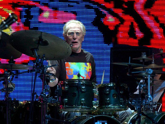 Drummer Ginger Baker tijdens een reünieconcert van Cream, in Madison Square Garden in New York, 2005.