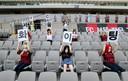 De sekspoppen op de tribunes bij FC Seoul.