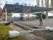 Nieuwe poort vliegbasis Volkel vervangt wachthuisje