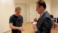 Goochelaar Nicholas laat Bart De Wever met mond vol tanden achter