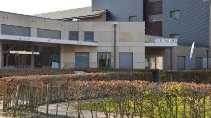 """Woonzorgcentrum Ter Meere laat geen bezoek toe om besmetting te vermijden: """"Vinden situatie nog te fragiel om versoepeling door te voeren"""""""