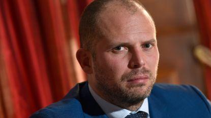 """Francken is tegen terugkeer van IS-strijders: """"Neem ze Belgische nationaliteit af"""""""