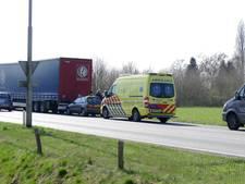 Auto loopt schade op bij botsing met vrachtwagen