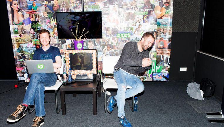 René van Leeuwen (l) en Matthijs van den Beukel, de mannen achter Dumpertreeten. Beeld Renate Beense