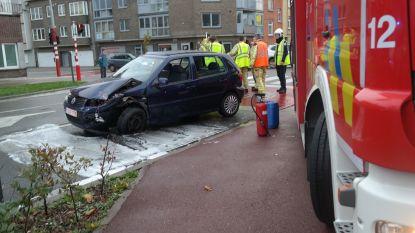 Vrouw en kind gewond na aanrijding in Gent. Bestuurder en passagier vluchten weg