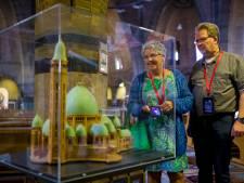 Op zoek naar verborgen schatten van Sint Jan: Waalwijkse kerk nu open als 'museum'