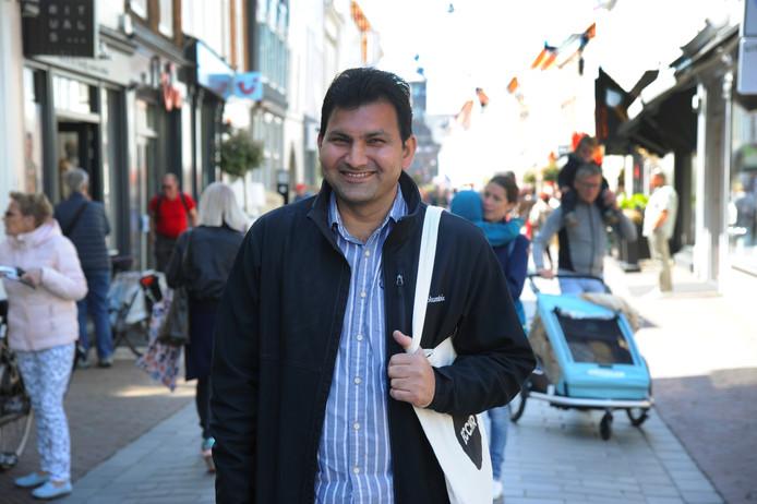 Mensenrechtenverdediger Akram Akhtar Chouhan krijgt drie maanden onderdak door het project Shelter City Middelburg.