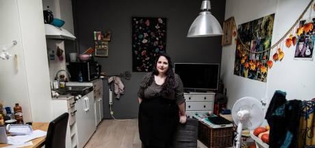 Kelly (28) leeft in armoede, Celine doet een week mee: 'Ik ga nu minder snel oordelen'