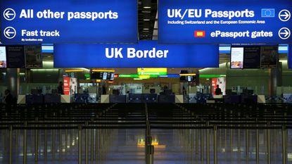 USB-stick met geheime beveiligingsdata van luchthaven Heathrow ligt op straat in Londen