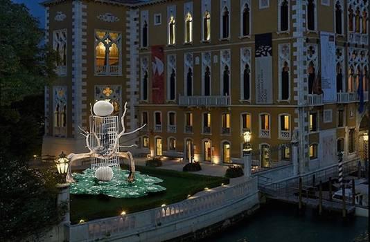 Zo zal het kunstwerk er in Venetië uitzien.