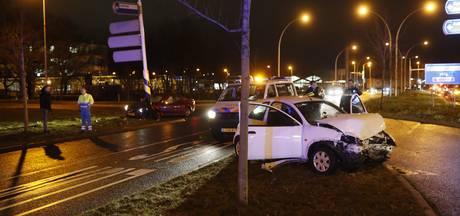 Vrouw gewond bij botsing in Zwolle