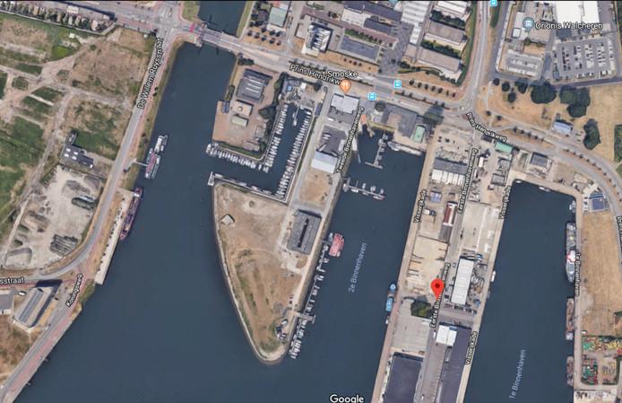 De kop van de Tweede Binnenhavenweg, achter de Lasloods, krijgt de komende jaren, net als de rest van de binnenhavens, een nieuwe invulling.