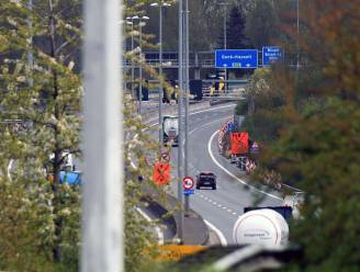 Werken op viaduct Wilsele wisselen van kant, versmalde rijstroken tot midden november
