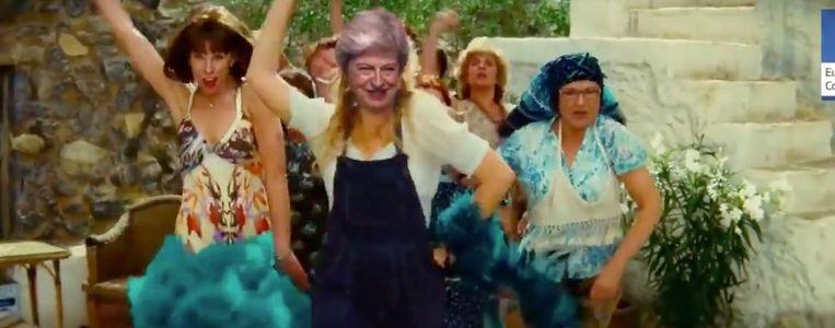 Theresa May wordt niet meer serieus genomen na haar dansje.